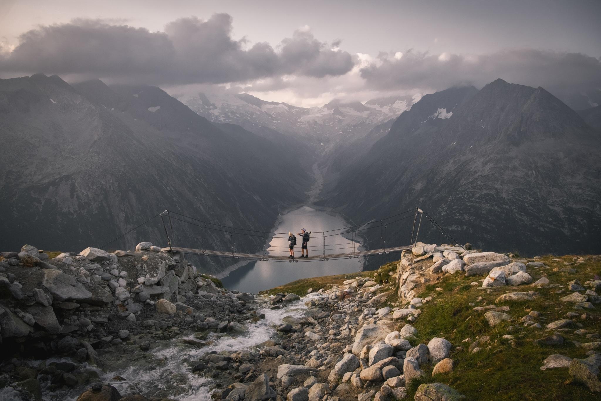 Wanderung über die Hängebrücke zur Olpererhütte